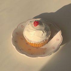 Kawaii Cooking, Good Food, Yummy Food, Cafe Food, Aesthetic Food, Macaron, How Sweet Eats, Cute Cakes, Something Sweet