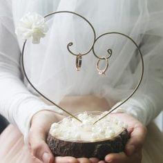 Rustikaler Ringhänger – Hochzeit – Deko – - Diy And Crafts - Rustikaler Ringhänger Hochzeit Deko - Ring Holder Wedding, Ring Pillow Wedding, Elegant Wedding, Dream Wedding, Wedding Day, Lace Wedding, Gown Wedding, Budget Wedding, Mermaid Wedding