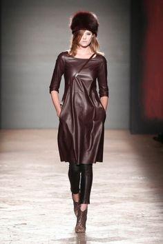 Vestito di pelle di Simonetta Ravizza