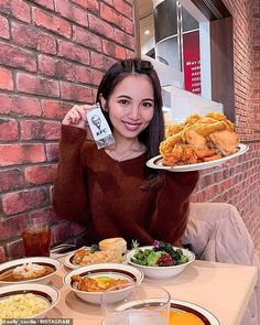 KFC has opened up a new buffet-style restaurant offering unlimited Colonel's famous fried chicken, salad bar, seafood, gourmet chicken dishes, fried rice and desserts. Gourmet Chicken, Fried Chicken, Styling A Buffet, Restaurant Offers, Food Articles, Salad Bar, Kfc, Fried Rice, Seafood