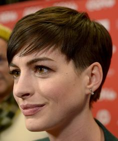 Anne Hathaway Photos - Actress Anne Hathaway attends the premiere of 'Song One' at the Eccles Center Theatre during the 2014 Sundance Film Festival on January 2014 in Park City, Utah. - 'Song One' Premieres at Sundance Anne Hathaway Haircut, Anne Hathaway Pixie, Anne Hathaway Photos, Short Pixie, Pixie Cut, Short Hair Cuts, Short Hair Styles, Pelo Pixie, Super Short Hair