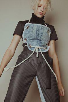 Designer: Harvee KOK http://www.99wtf.net/young-style/urban-style/mens-snapback-urban-fashion/