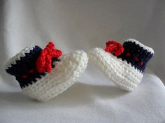 Baby Booties New England Patriots  FREE SHIPPING by Pepperbelle, $12.00  3-6 mos.