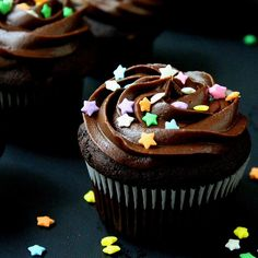 SugaryWinzy Triple Chocolate Cupcakes and frosting