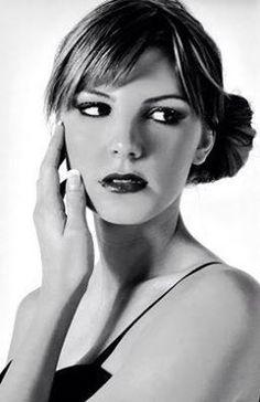 Gli unici occhi belli sono quelli che vi guardano con tenerezza. #coco #chanel