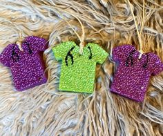 Hand made aroma bead air fresheners by GaudyAirFreshies Homemade Air Freshener, Car Air Freshener, Craft Gifts, Diy Gifts, Aroma Beads, Scented Wax, Crafts To Do, Dilly Dally, Car Smell