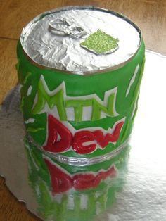 mountain dew cake AH If someone made me a mountain dew cake, I would be in love <3
