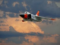 The Avro Arrow was a superb fighter jet built in Canada by Canadians. It is said that it was the most advanced fighter jet of it's time and was one. Military Jets, Military Aircraft, Fighter Aircraft, Fighter Jets, Avro Arrow, Avro Vulcan, Airplane Art, Airplane Design, Aircraft Design