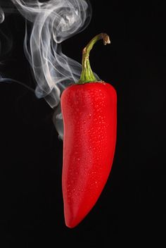 Chilli - a traditional method to imply greater alcohol strength was the addition… Fruit And Veg, Fruits And Veggies, Healthy Vegetables, Chile Picante, Hottest Chili Pepper, Red Chilli, Red Aesthetic, Stuffed Hot Peppers, Shades Of Red
