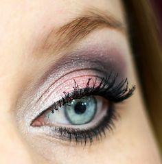 Maquiagem feita com o pigmento Loose Pearl Eye Shadow Sky Pink no blog Doce Magia Feminina