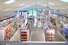 Agencement et aménagement de pharmacies, www.pharmacite.fr Store Design, Design Shop, Design Design, Cabinet Medical, Pharmacy Store, Supermarket Design, Essential Oils For Kids, Beauty Supply Store, Retail Merchandising