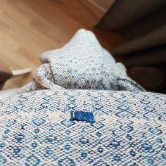 Mountain Girl Handwoven 💙 Hand Weaving, Wraps, Mountain, Home, Hand Knitting, Ad Home, Homes, Rolls, Haus