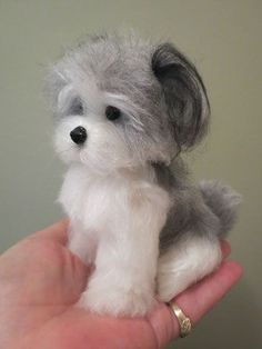 The Toy Shoppe offers charing needle-felted dogs and puppies by Designs by Karen. So small they fit in the palm of your hand. These dogs and puppies are unique and delightful! Needle Felted Animals, Felt Animals, Needle Felting Tutorials, Felt Fairy, Felt Dogs, Cute Little Animals, Wet Felting, Wool Needle Felting, Felted Wool