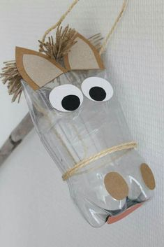 Make a horse for Santa using repurposed items - het paard van sinterklaas Cowboy Crafts, Horse Crafts, Animal Crafts, Horse Party, Cowboy Party, Preschool Crafts, Diy And Crafts, Crafts For Kids, Anniversaire Cow-boy