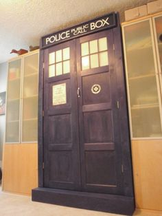 Doctor Who wall bed - bigger on the inside