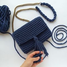 Еще одна малышка из числа свободных 😋 #onlymyknitting #пряжаspagetti #пряжаспагетти #пряжалента #вязаниеспицами #вязаниеназаказ #вязанаясумка #сумкаручнойработы #хлопок #cotton #красиваясумка #knit #knitting #handmade #рукоделие #ручнаяработа #аксессуары #сумка #клатч #клатчручнойработы #вязаныйклатч #красивыйклатч #вяжутнетолькобабушки #knittedbag #musthave #трикотажнаяпряжа #купитьсумку #купитьвязануюсумку