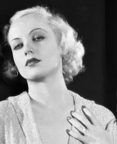 Black and White Photography; Carole Lombard