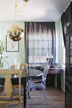 Scientifically Soothing: 6 Successful Green Wall Paint Colors from House Tours | Apartment Therapy