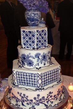 Most beautiful wedding cake! Blue and white theme with Hydrangeas