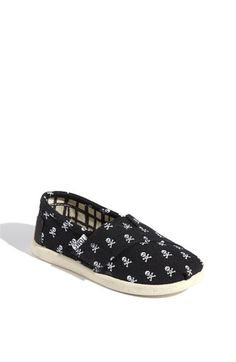 """TOMS 'Roque - Tiny' Slip-On Chlo's """"Priate"""" shoes!"""