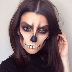 10 ideas sexys de maquillaje para Halloween - Suzy's Fashion 10 sexy Halloween-Make-up-Ideen Cute Halloween Makeup, Halloween Looks, Halloween 20, Halloween Costumes, Halloween Fashion, Sexy Make-up, Helloween Party, Fantasias Halloween, Fantasy Makeup