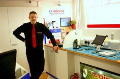 Richard Kimberley, 36, sairastui Wi-fi-teknologiasta sähköherkkyyteen korjailtuaan työkseen pitkään elektronisia laitteita.