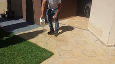 GOYAZLIMP - Limpeza de Pisos e Pedras ,Pós-obra Fazemos Impermeabilização de pisos em geral: Amostra de produto em piso de quintal encardido de...