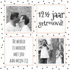 Zwart/wit/roze kaartje met ruimte voor foto's en tekst, om te sturen als uitnodiging bij een huwelijksjubileum. Pas de foto's en tekst aan naar keuze.