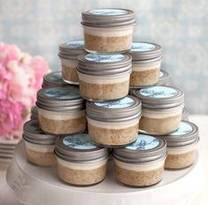 Im doing this but in large mason jars and going to make Banana bread in each one for a Christmas gift for my coworkers.