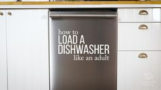 The Art of Loading A Dishwasher — Video from Apartment Therapy Black Dishwasher, Stainless Steel Dishwasher, Pantry Design, Washing Dishes, Kitchen On A Budget, Black Kitchens, Inspired Homes, Kitchen Flooring, Housekeeping