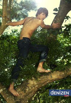 www.jetwald.com    Louis the tree hugger for DENIZEN..more on jetwald.com