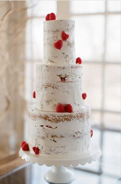 love this cake by classic cakes http://www.kcclassiccakes.com/index2.php#/rgallery/1/