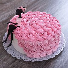 Ideas for birthday cake decorating frosting cream cheeses Cake Decorating Frosting, Cake Decorating Designs, Creative Cake Decorating, Birthday Cake Decorating, Creative Cakes, Cake Designs, Birthday Decorations, Decorating Ideas, Pretty Cakes