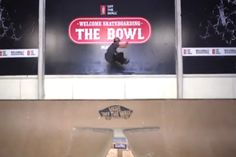 Esta vez Danny nos enseña como volar de frontside en Welcome Bowl By Vans parece hasta facil