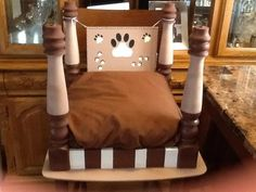 Upside down end table pet bed. Cute Dog Beds, Diy Dog Bed, Diy Bed, Pet Beds, Doggie Beds, End Table Pet Bed, Do It Yourself Design, Dog Furniture, Furniture Ideas