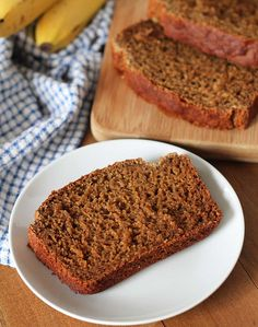 Not only is this vegan gluten free banana bread delicious, it's also oil-free, super easy to make, and can be customized with your favourite add-ins! Banana Bread Image, Banana Cake Vegan, Banana Waffles, Gluten Free Banana Bread, Easy Banana Bread, Chocolate Banana Bread, Sin Gluten, Vegan Gluten Free, Vegan Lunch Recipes