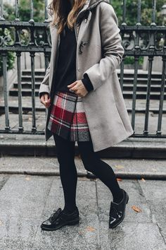 Fay_Coat-Beige_Coat-Checked_Skirt-Blue_Sweater-College_Look-Loafers-Outfit-Street_Style-Collage_Vintage-36