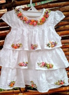 Embroidered dress for baby girl, ecofibre, silkribbonembroidery,white dress di SilkRibbonembroidery su Etsy Girls Frock Design, Baby Dress Design, Baby Girl Dress Patterns, Hand Embroidery Dress, Embroidery Fashion, Ribbon Embroidery, Frocks For Girls, Little Girl Dresses, Outfits Niños