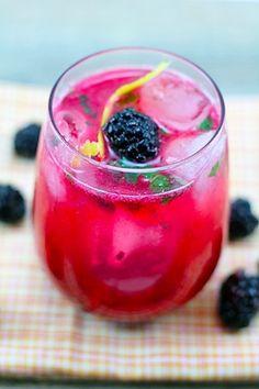 Blackberry Lemon Gin Fizz by wearenotmartha #Cocktail #Gin_Fiss #Blackberry