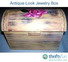 This is a guide about making a jewelry box. It is easy for jewelry to get tangled and disorganized. A jewelry box is a perfect way to keep your jewelry tidy and safe. Making your own jewelry box a great thrifty way of accomplishing this as well. Wooden Jewelry Boxes, Make Your Own Jewelry, Mothers Day Crafts, Painting Techniques, Craft Gifts, Craft Projects, Craft Ideas, Painting On Wood, Fun Crafts