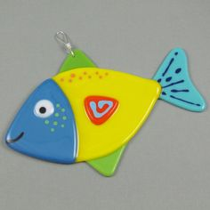 Fish Suncatcher Fused Glass Yellow Blue by AngelasGlassStudio Fused Glass Ornaments, Fused Glass Art, Stained Glass, Cd Wall Art, Clay Fish, Glass Animals, Glass Garden, Fish Art, Suncatchers