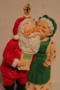 Hallmark Keep Ornament 1986 Santa and Mrs Claus by TalesofTime, $9.00