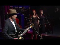 Jakob Dylan whole wide world on Late Show with David Letterman April 2010
