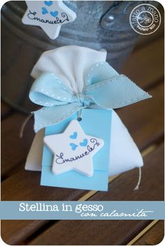 Gorgeous sachets, you could add lollies, chocolates or make them scented Christening Favors, Baptism Favors, Wedding Favors, Party Favors, Favours, Bomboniere Ideas, Felt Crafts, Diy Crafts, Baby Event