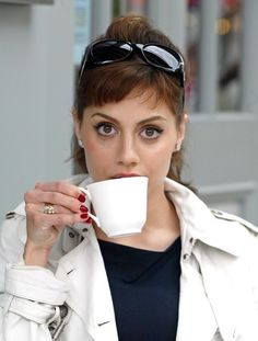 Brittany Murphy and #tea. Image via withtea.tumblr.com.