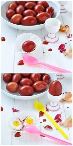 Oua rosii vopsite natural Natural Red, Easter Eggs, Baking, Breakfast, Patisserie, Backen, Bread, Bakken, Morning Breakfast