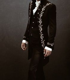 Harry es un pequeño niño maltratado por sus tíos, pero unos particula… #ficçãodefãs # Ficção de fãs # amreading # books # wattpad Story Inspiration, Character Inspiration, Moda Medieval, Character Outfits, Look Cool, Vampires, Aesthetic Clothes, Mens Fashion, Dark Fashion