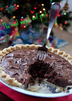 Peppermint Brownie Pie...This is how I eat pie too!!!