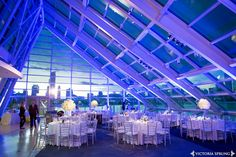 An absolute amazing view. Perfect venue space to have a wedding: On the rooftop of a Planetarium that also views a gorgeous sky line of the entire city!