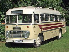 Retro Cars, Vintage Cars, Converted Horse Trailer, School Bus Conversion, Bus Coach, Classic Motors, Horse Trailers, Bus Driver, Classic Trucks